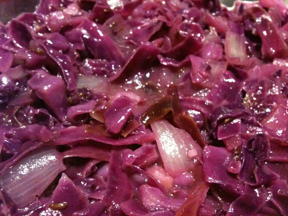 Braised Red Cabbage with Vinegar and Caraway